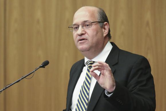 O presidente do Banco Central, Ilan Goldfajn, disse que atingir o centro da meta de inflação em 4,5%, em 2017, é uma expectativa ambiciosa e crível    Fabio Rodrigues Pozzebom/Agência Brasil